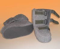 Reha Schuh, Polyfell, mit Klettverschluss, versch. Größen