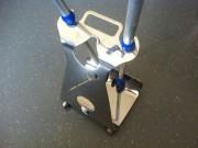 Gehhilfenständer und Krückenständer aus Edelstahl