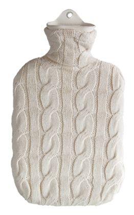 2,0 Liter Wärmflasche mit Strickbezug aus Baumwolle, Zopfmuster Natur